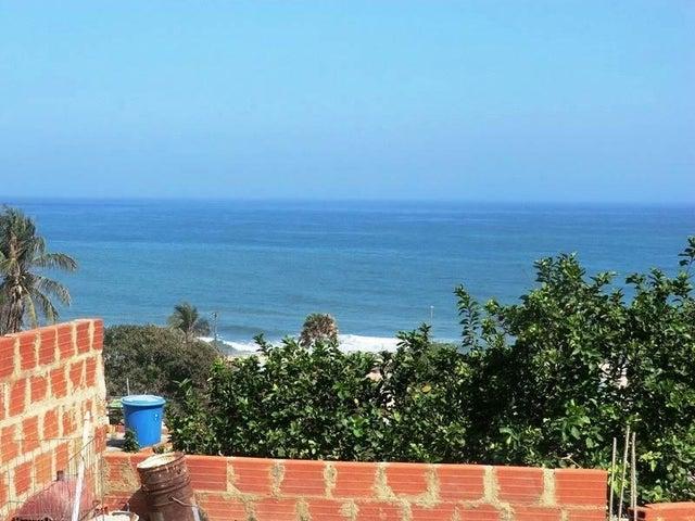 Casa Vargas>Catia La Mar>Playa Verde - Venta:7.000 Precio Referencial - codigo: 19-10891