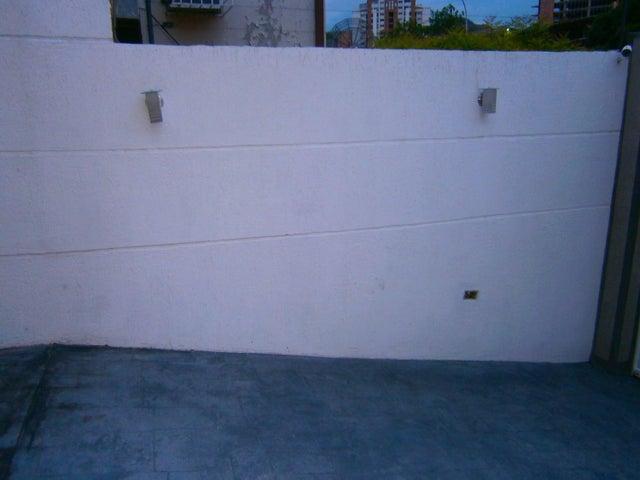 Casa Carabobo>Valencia>El Bosque - Venta:110.000 Precio Referencial - codigo: 19-10938
