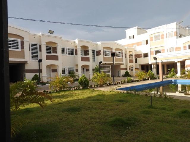 Townhouse Zulia>Ciudad Ojeda>La N - Venta:38.000 Precio Referencial - codigo: 19-10915