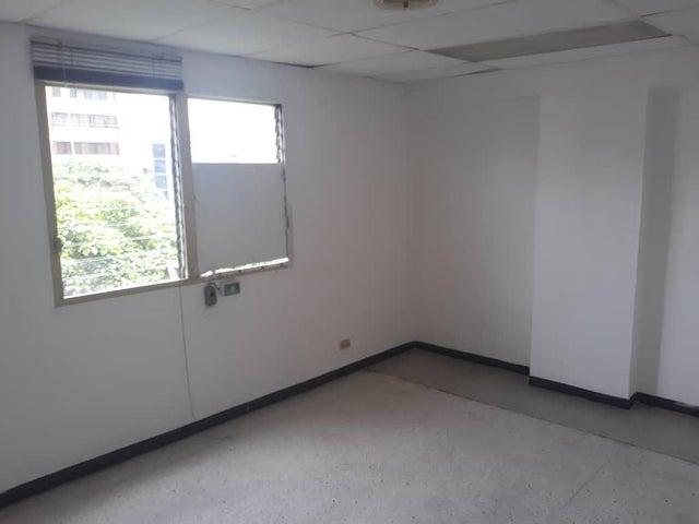 Oficina Distrito Metropolitano>Caracas>El Recreo - Alquiler:500 Precio Referencial - codigo: 19-11023