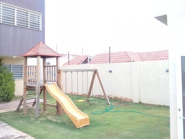 Townhouse Zulia>Maracaibo>El Milagro Norte - Venta:33.450 Precio Referencial - codigo: 19-10937