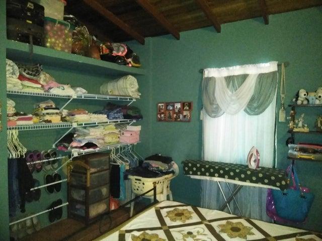 Casa Yaracuy>San Felipe>Independencia - Venta:60.000 Precio Referencial - codigo: 19-10964