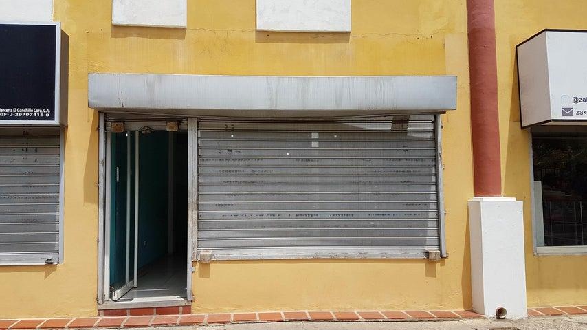 Local Comercial Falcon>Coro>Centro - Venta:13.000 Precio Referencial - codigo: 19-10986