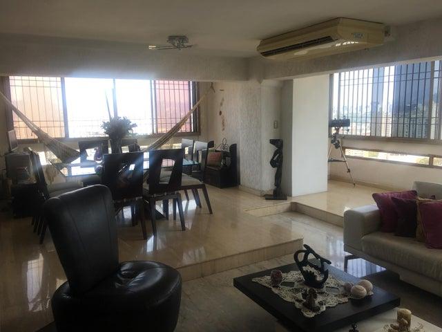 Apartamento Distrito Metropolitano>Caracas>Colinas de Quinta Altamira - Venta:95.000 Precio Referencial - codigo: 19-11235