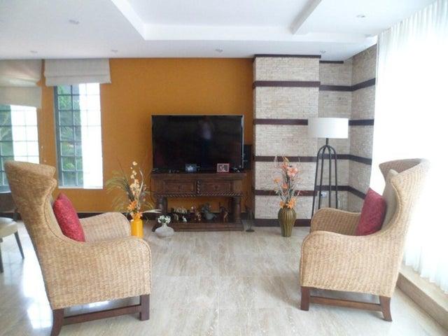Apartamento Distrito Metropolitano>Caracas>Alta Florida - Venta:550.000 Precio Referencial - codigo: 19-11038