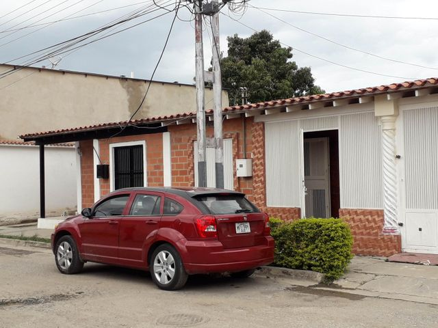 Casa Aragua>Palo Negro>La Blanquera - Venta:14.000 Precio Referencial - codigo: 19-11048