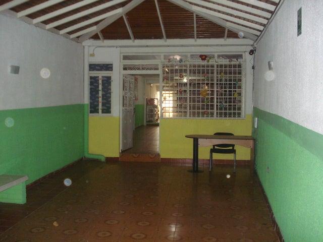 Casa Aragua>Maracay>El Toro de Las Delicias - Venta:23.500 Precio Referencial - codigo: 19-11077