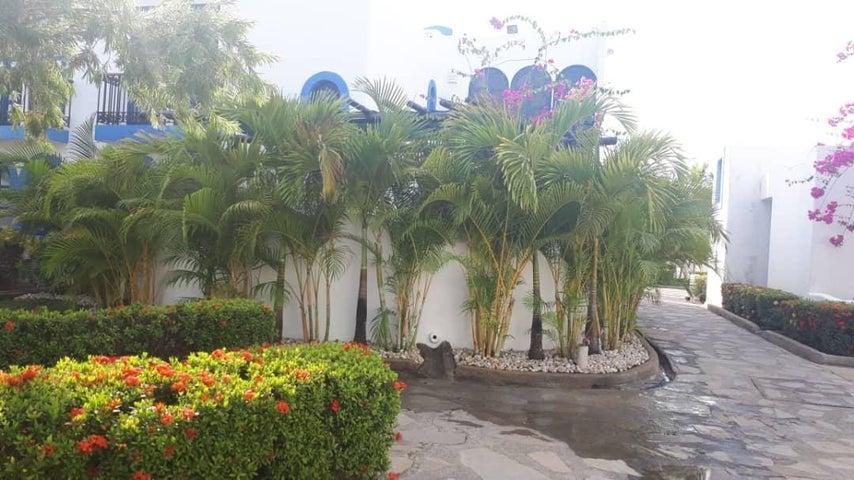 Townhouse Miranda>Higuerote>Puerto Encantado - Venta:180.000 Precio Referencial - codigo: 19-11100