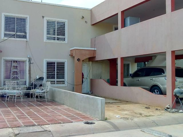 Townhouse Zulia>Maracaibo>La Limpia - Venta:4.800 Precio Referencial - codigo: 19-11112