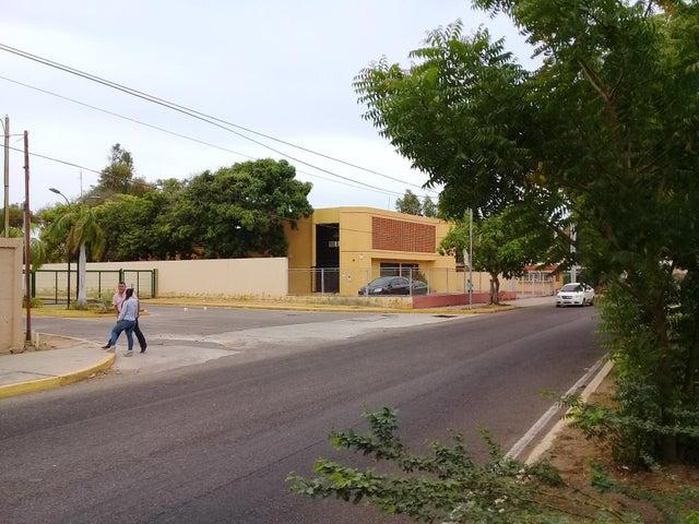 Terreno Zulia>Maracaibo>Avenida Milagro Norte - Venta:40.000 Precio Referencial - codigo: 19-11121
