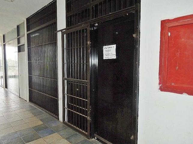 Local Comercial Anzoategui>El Tigre>Centro - Venta:6.000 Precio Referencial - codigo: 19-11163