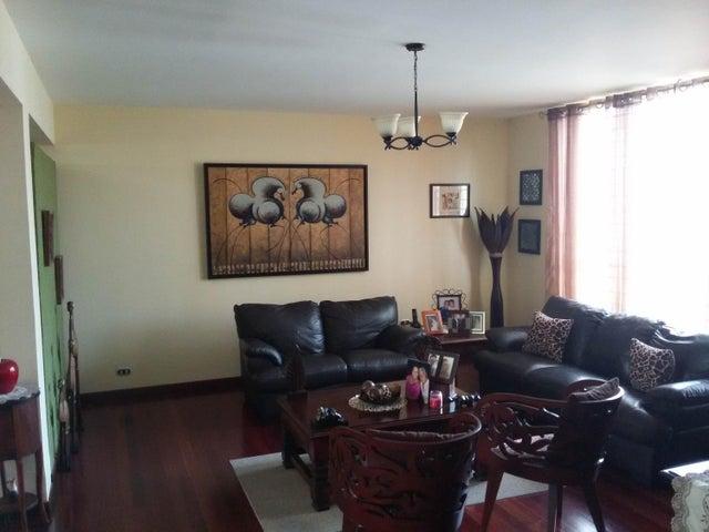 Casa Distrito Metropolitano>Caracas>La Boyera - Venta:230.000 Precio Referencial - codigo: 19-11389