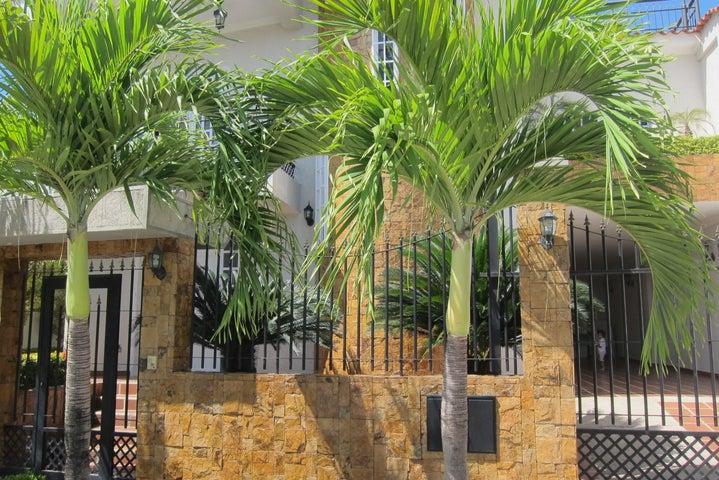 Casa Miranda>Charallave>Charallave Country - Venta:115.000 Precio Referencial - codigo: 19-11155