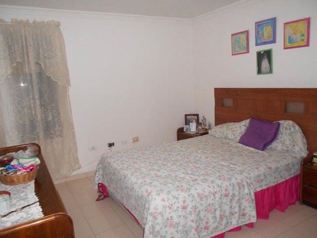 Apartamento Carabobo>Municipio Naguanagua>La Entrada - Venta:14.000 Precio Referencial - codigo: 19-11162