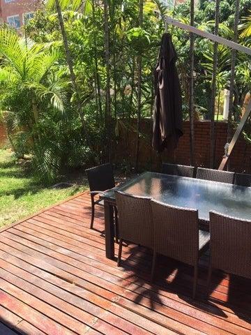 Apartamento Distrito Metropolitano>Caracas>Campo Alegre - Alquiler:2.000 Precio Referencial - codigo: 19-11211