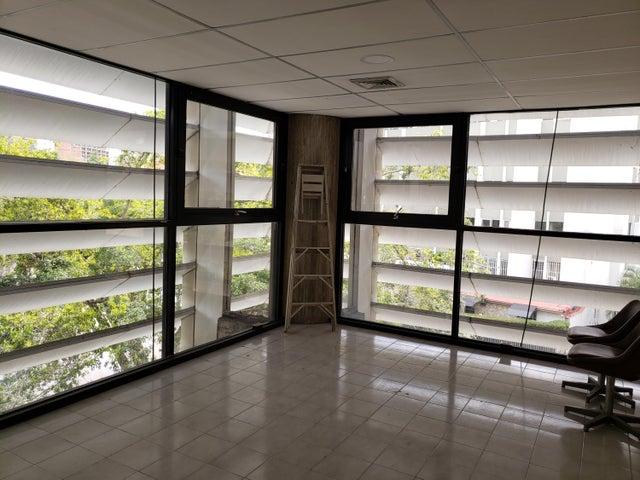 Oficina Distrito Metropolitano>Caracas>Los Samanes - Alquiler:350 Precio Referencial - codigo: 19-11237