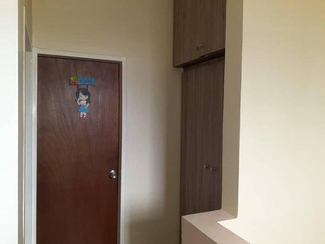 Casa Lara>Cabudare>Parroquia Jose Gregorio - Venta:28.000 Precio Referencial - codigo: 19-11225