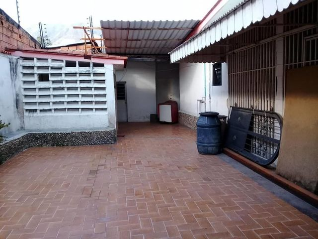 Casa Aragua>Maracay>El Limon - Venta:52.000 Precio Referencial - codigo: 19-11257
