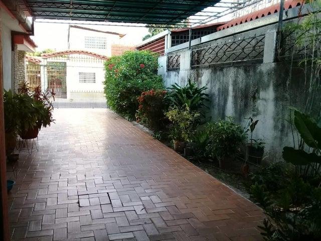 Casa Aragua>Maracay>El Limon - Venta:55.000 Precio Referencial - codigo: 19-11257