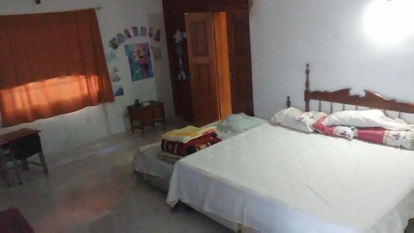 Casa Miranda>Charallave>Santa Rosa de Charallave - Venta:60.000 Precio Referencial - codigo: 19-11295