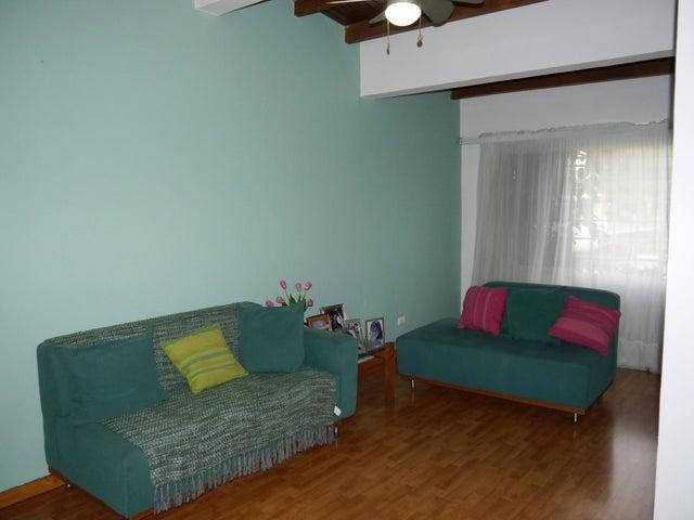 Casa Lara>Barquisimeto>Zona Este - Venta:70.000 Precio Referencial - codigo: 19-2175