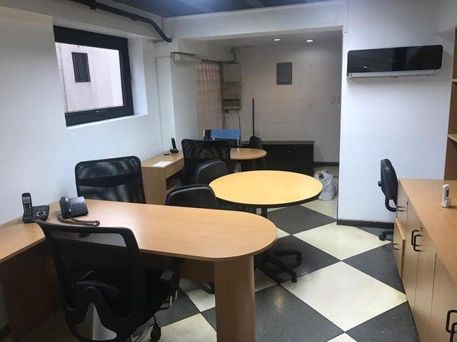 Oficina Distrito Metropolitano>Caracas>El Rosal - Venta:350 Precio Referencial - codigo: 19-11315