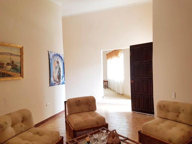 Casa Falcon>Coro>Parcelamiento Santa Ana - Venta:80.000 Precio Referencial - codigo: 19-11332