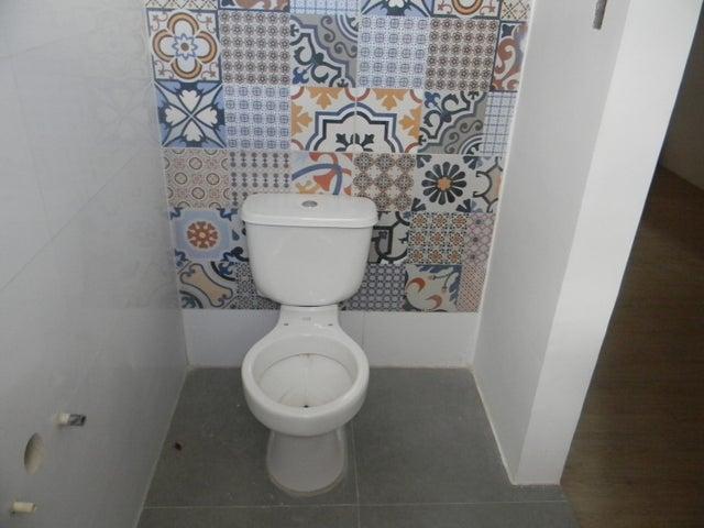 Casa Lara>Barquisimeto>La Ensenada - Venta:15.000 Precio Referencial - codigo: 19-12787