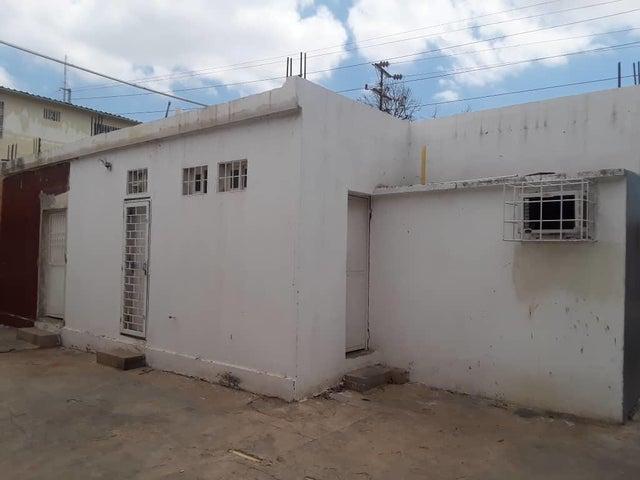 Galpon - Deposito Zulia>Maracaibo>Amparo - Alquiler:200 Precio Referencial - codigo: 19-11331