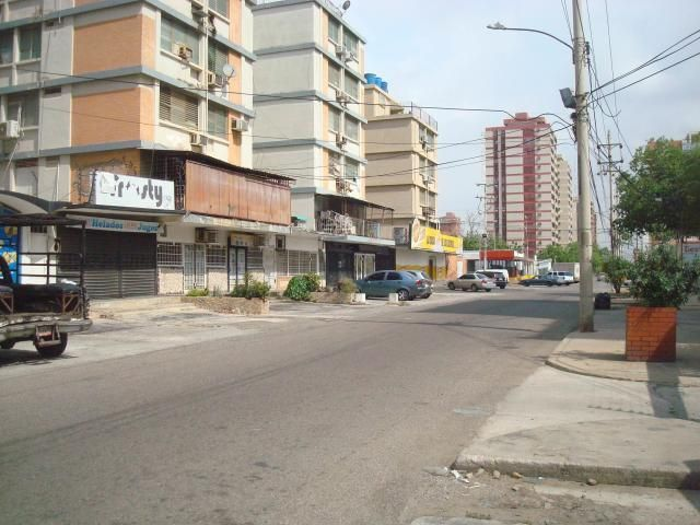 Local Comercial Zulia>Maracaibo>Paraiso - Alquiler:100 Precio Referencial - codigo: 19-11335