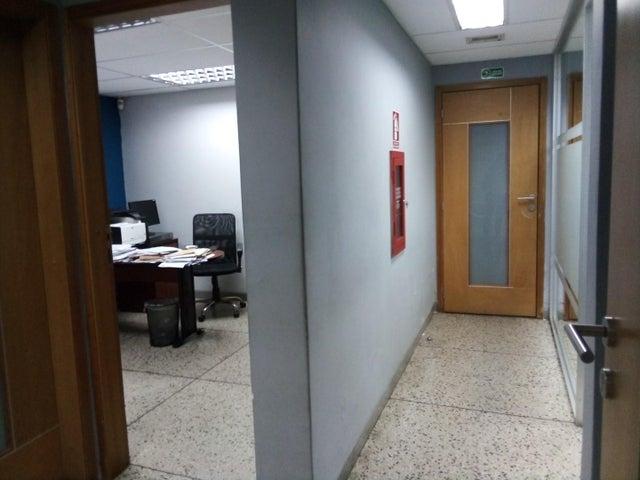 Edificio Carabobo>Valencia>La Candelaria - Venta:320.000 Precio Referencial - codigo: 19-11396