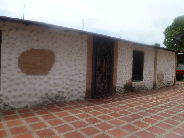 Casa Carabobo>Guacara>Yagua - Venta:15.000 Precio Referencial - codigo: 19-10914