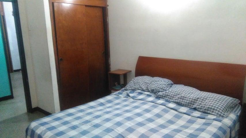 Apartamento Miranda>Guarenas>Los Naranjos - Venta:15.000 Precio Referencial - codigo: 19-11465