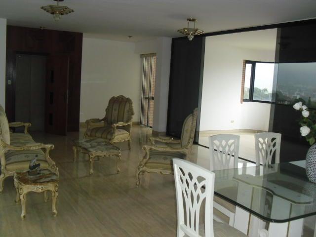 Apartamento Distrito Metropolitano>Caracas>Colinas de Valle Arriba - Alquiler:1.800 Precio Referencial - codigo: 19-11393