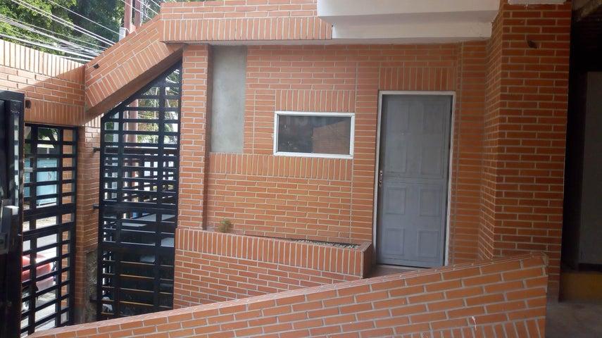 Apartamento Aragua>Maracay>Zona Centro - Venta:119.000 Precio Referencial - codigo: 19-11395