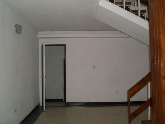 Casa Aragua>Maracay>La Floresta - Venta:100.000 Precio Referencial - codigo: 19-11664