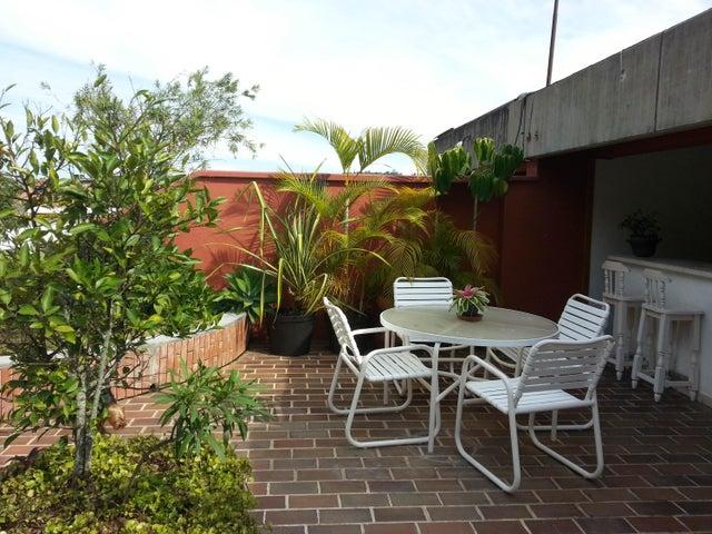 Apartamento Distrito Metropolitano>Caracas>Los Naranjos del Cafetal - Venta:265.000 Precio Referencial - codigo: 19-11424