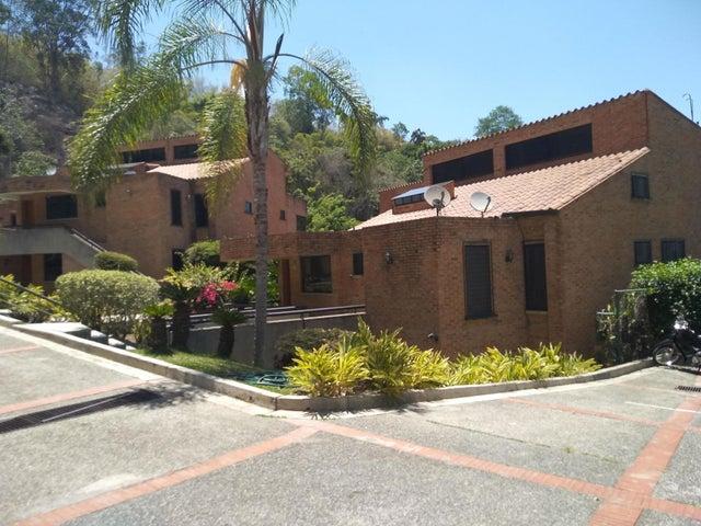 Townhouse Distrito Metropolitano>Caracas>Oripoto - Venta:220.000 Precio Referencial - codigo: 19-11440