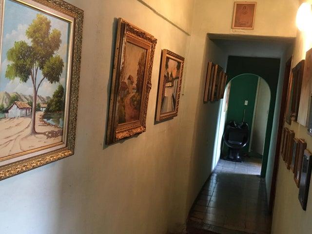 Casa Lara>Barquisimeto>Parroquia Concepcion - Venta:22.000 Precio Referencial - codigo: 19-11435