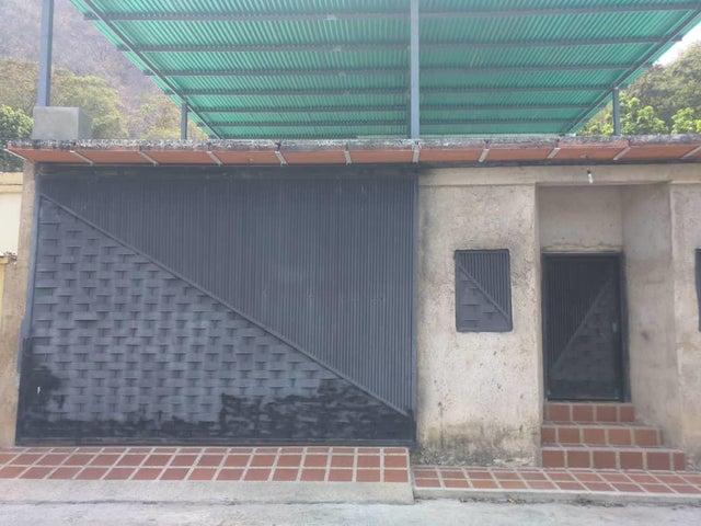 Casa Aragua>Maracay>La Cooperativa - Venta:22.000 Precio Referencial - codigo: 19-11451