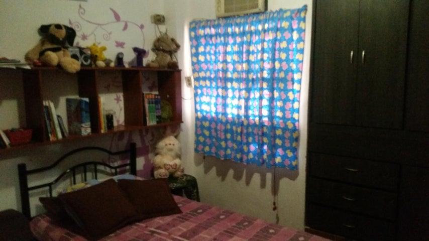 Casa Zulia>Maracaibo>La Macandona - Venta:15.000 Precio Referencial - codigo: 19-11480