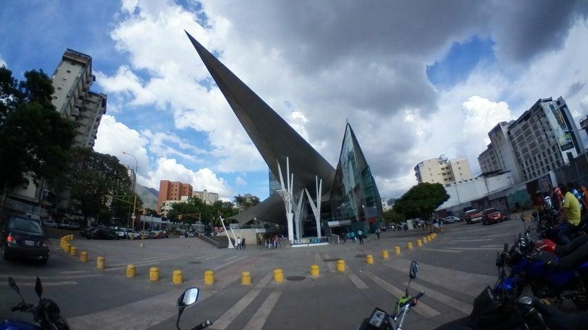 Local Comercial Distrito Metropolitano>Caracas>Los Dos Caminos - Alquiler:936 Precio Referencial - codigo: 19-11486