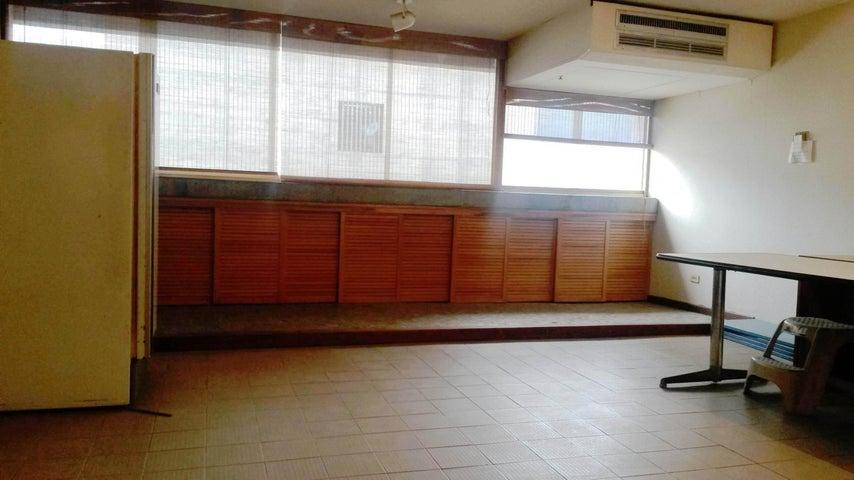 Apartamento Distrito Metropolitano>Caracas>Parque Central - Venta:30.000 Precio Referencial - codigo: 19-11487