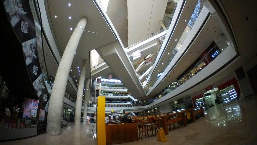 Local Comercial Distrito Metropolitano>Caracas>Los Dos Caminos - Alquiler:1.026 Precio Referencial - codigo: 19-11496