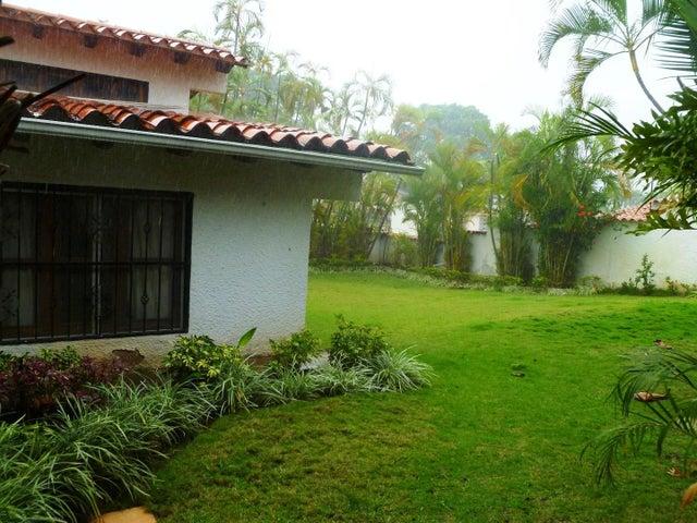 Rah 19 11526 Casa En Terrazas De Los Nisperos 380 000