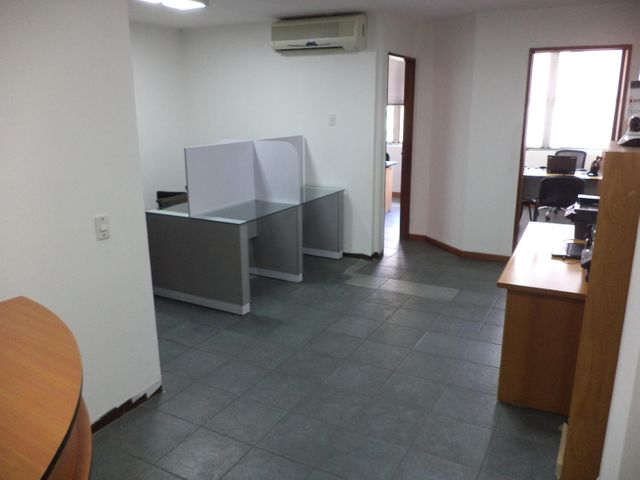 Local Comercial Distrito Metropolitano>Caracas>Sabana Grande - Venta:40.000 Precio Referencial - codigo: 19-11540