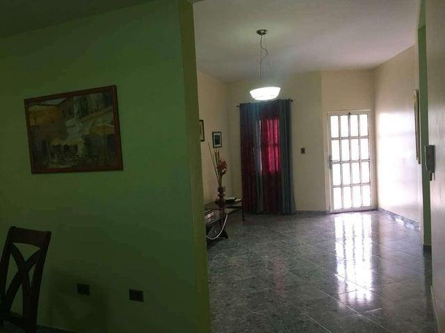 Casa Falcon>Punto Fijo>Los Caciques - Venta:27.000 Precio Referencial - codigo: 19-11538