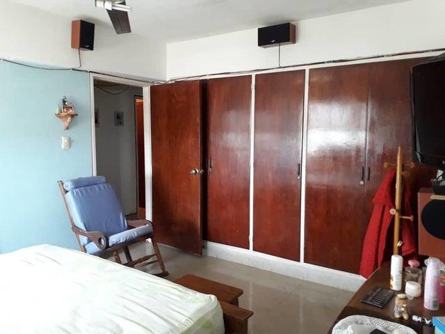 Apartamento Zulia>Maracaibo>Zapara - Venta:15.000 Precio Referencial - codigo: 19-11555