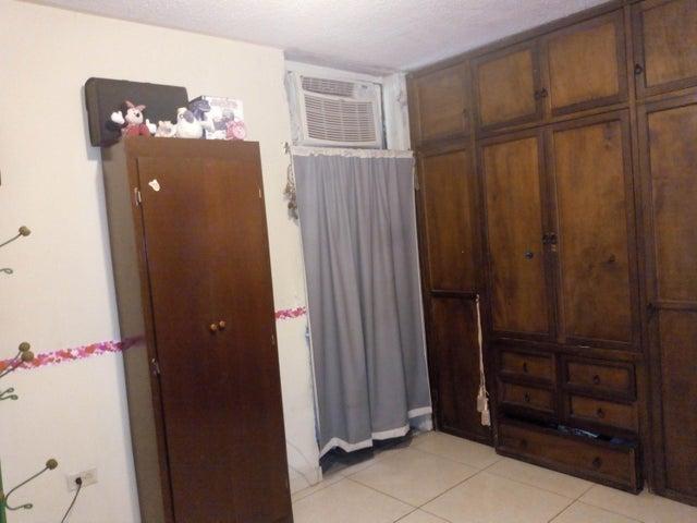 Apartamento Aragua>Maracay>Bosque Alto - Venta:28.000 Precio Referencial - codigo: 19-11549