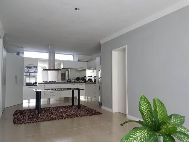 Apartamento Falcon>Coro>Sector La Floresta - Venta:50.000 Precio Referencial - codigo: 19-11546